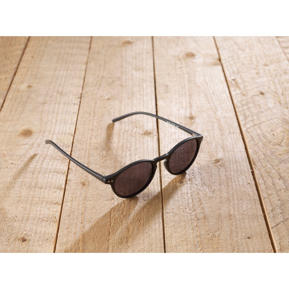 Nepi black by eco-sunglasses.com